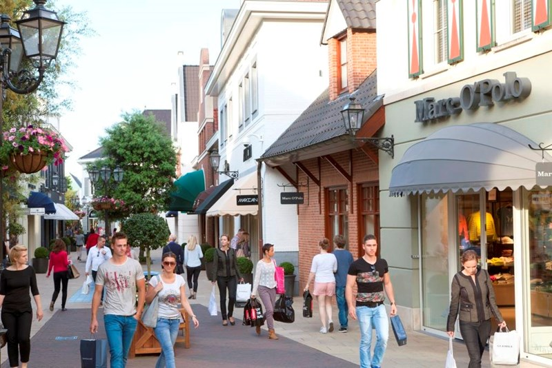 Outlet in holland designer outlet roermond for shopping for Outlet design