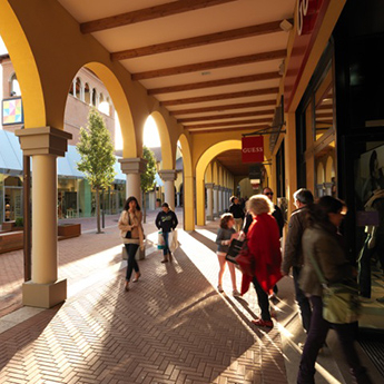Outlet in Italy, Castel Guelfo Outlet City (BO), for shopping. Its ...